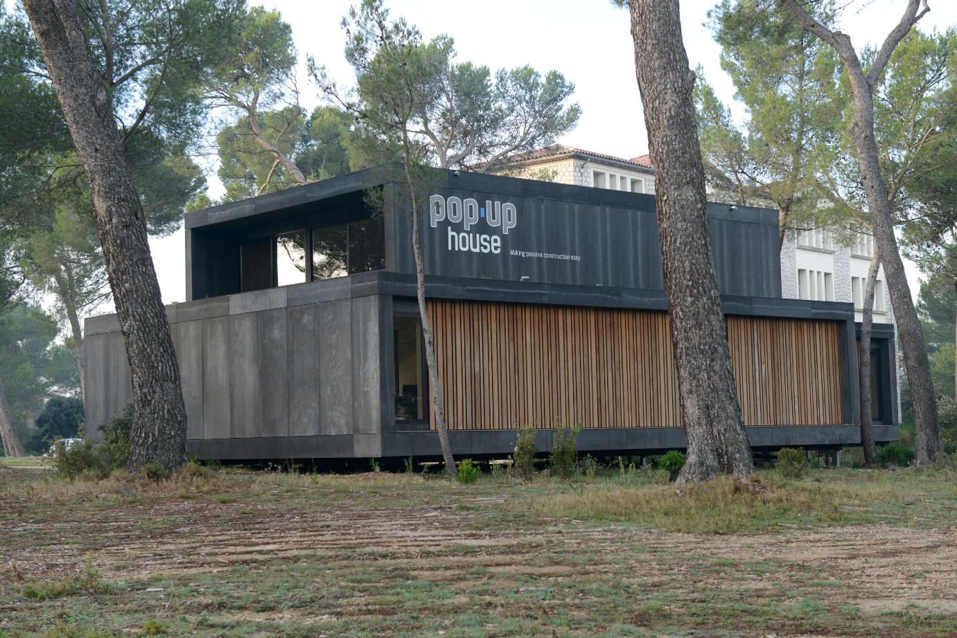 focus sur l 39 cologique popup house mairie d 39 aix en provence. Black Bedroom Furniture Sets. Home Design Ideas